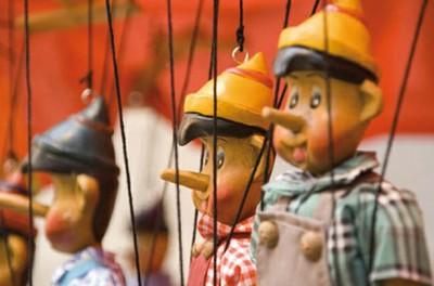 """Théâtre d'objet - Théâtre d'Illusia """" La marionnette dans tous ses états"""""""