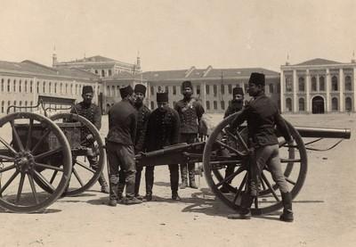 Artillerie et fortification dans le monde ottoman